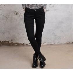 Pantalón Basic Negro.
